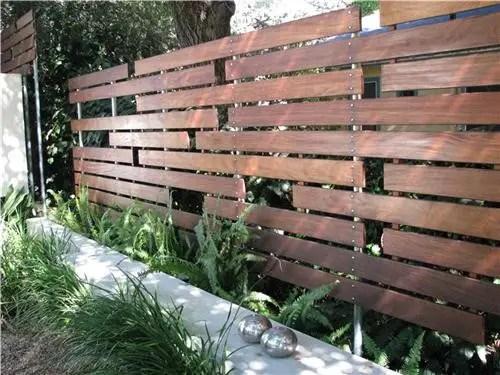 Заборы для дачи из дерева на заказ | Арт Бастион