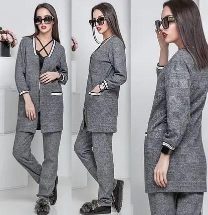 Женский брючный костюм в клетку с прямым пиджаком на ...