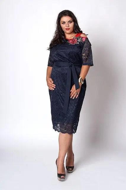 Красивое кружевное платье больших размеров синего цвета ...