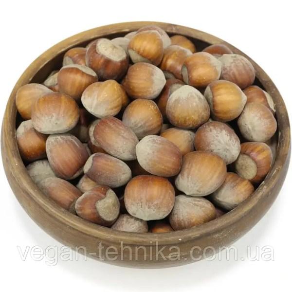 Фундук неочищенный в скорлупе (лещина, лесной орех ...