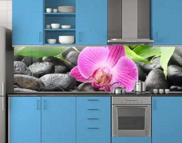 Пластиковый кухонный фартук ПВХ Орхидея и черные камни ...