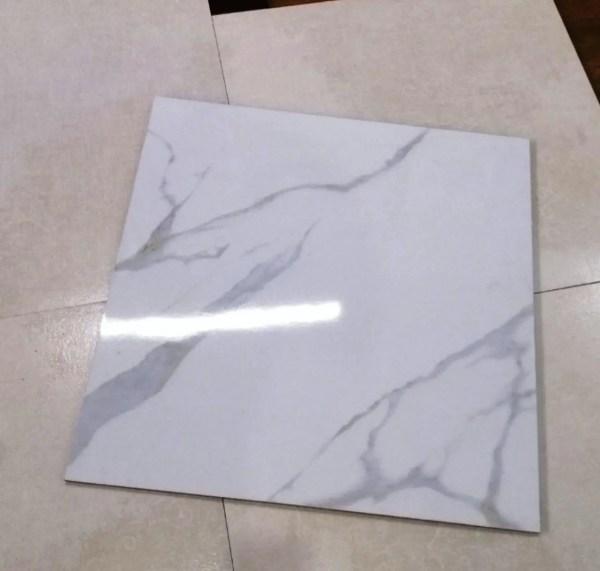Нескользкая глянцевая Плитка для пола под Белый Мрамор ...