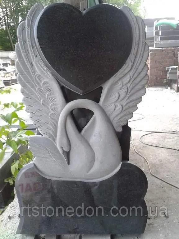 Памятники скульптуры на могилы. Лебедя с сердцем купить по ...