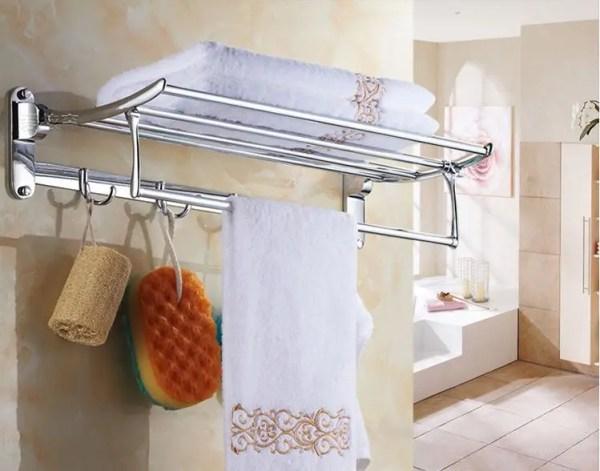 Полочка в ванную с вешалкой крючками и откидным верхом