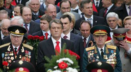 President Yushchenko takes part in the veterans' march down Khreshchatyk Street in Kyiv. Source: UNIAN