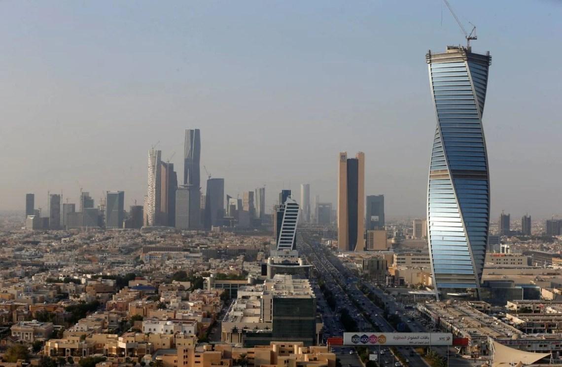 Саудовская Аравия на неделю закрыла границы/ REUTERS