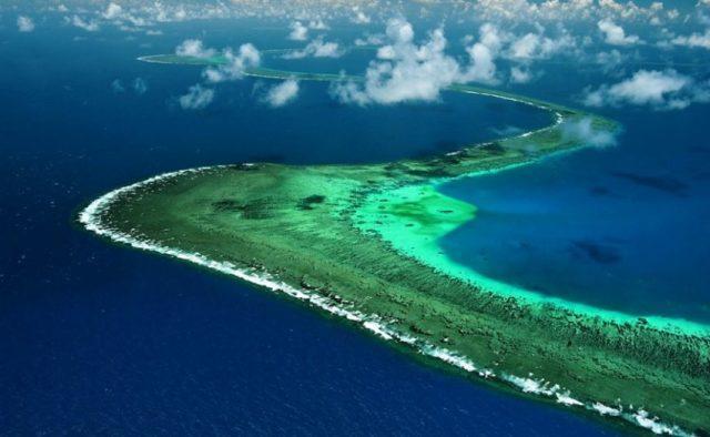 Великий бар'єрний риф існує більше 30 тисяч років / фото politeka.net