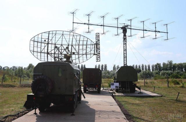"""Радиолокационная станция 5Н84 и радиолокационная станция П-18 """"Малахит"""" / фото УНИАН"""