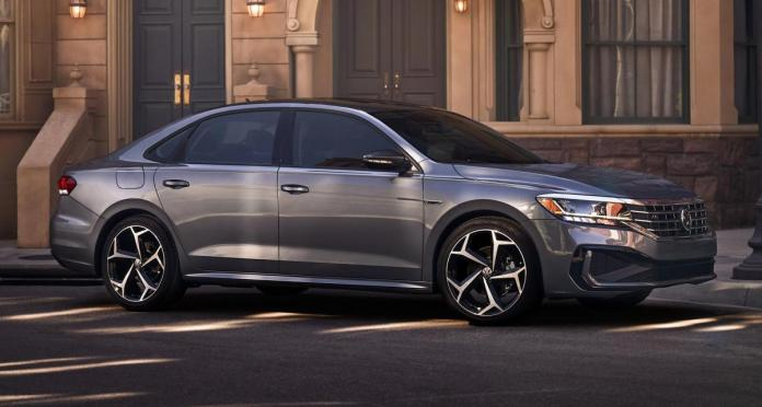The photos show a modification of the Volkswagen Passat R-Line / photo carscoops.com