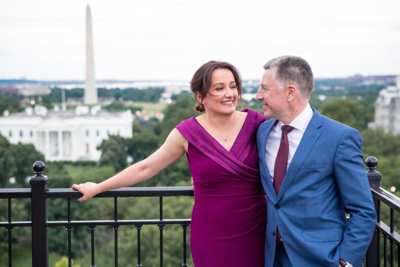 """Курт Волкер одружився на грузинській журналістці """"Голосу Америки"""""""