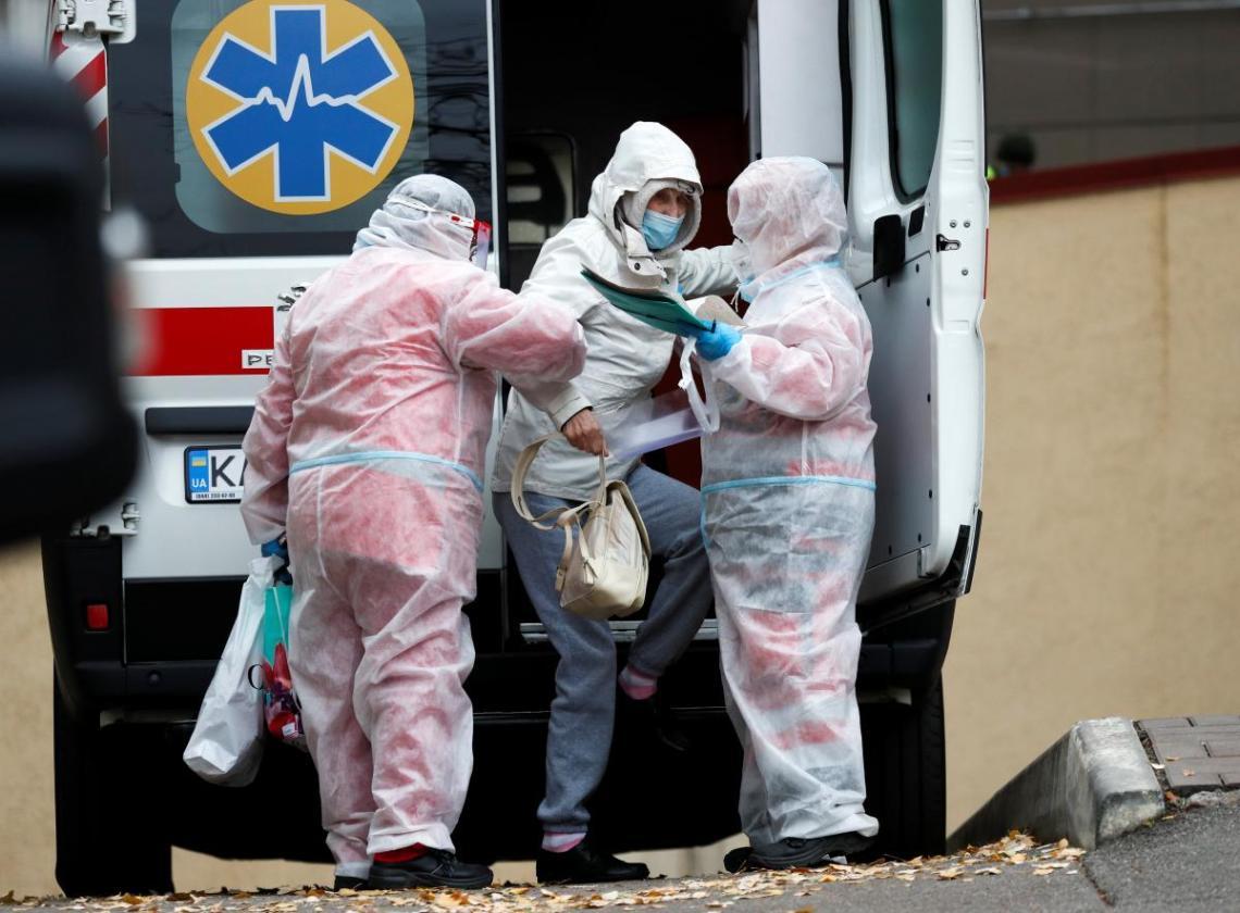 Ситуация с коронавирусом в мире и Украине стремительно ухудшается / REUTERS
