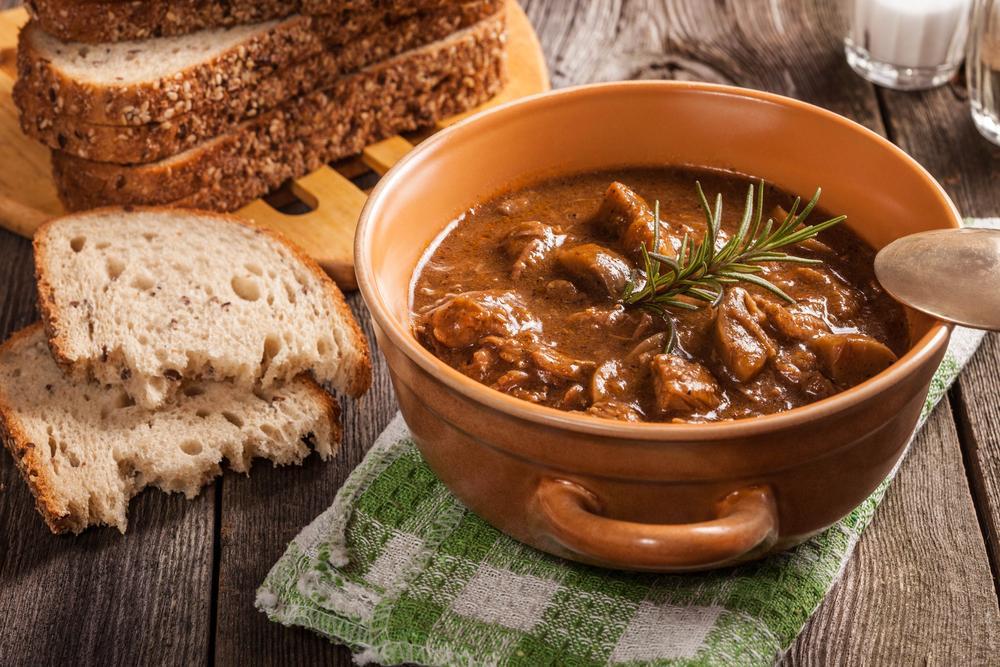 Венгерский гуляш - классические рецепты венгерского супа ...