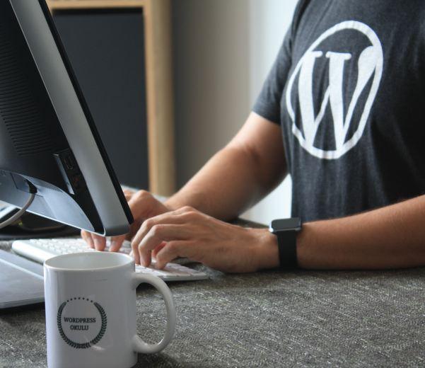 Mantenha um site novo e animado com serviços de manutenção de sites de qualidade