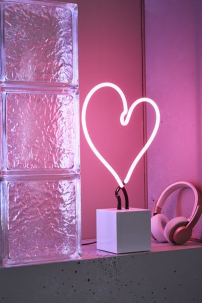 Neon Mfg Heart Neon Sign Table Lamp Urban Outfitters