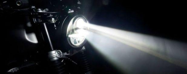 Fernlicht mit der Light Bomb von AC Schnitzer.
