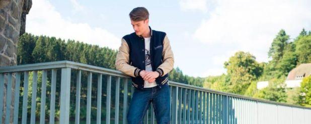Retro-Look für modebegeisterte Motorradfahrer: Die Collegejacke ist motorradtauglich geworden und macht auch als Freizeitbekleidung keine schlechte Figur.