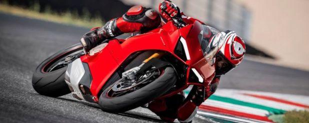 Mit dem Superbike Panigale V4 will Ducati zur Saison 2018 ein technisches und optisches Highlight setzen.