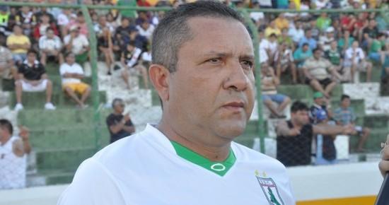 Mesmo após eliminação do Sousa, Suélio pode continuar no clube em 2013