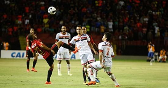Durval marca no fim e Sport vence o Campinense na Ilha do Retiro