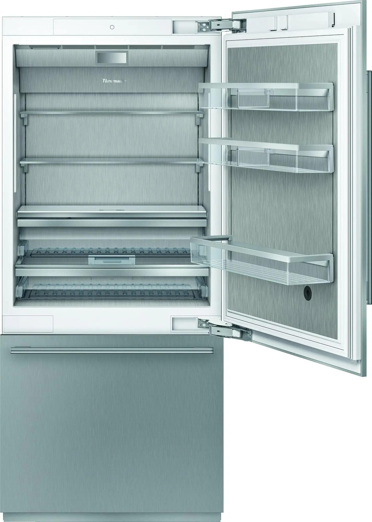 Built-in Two Door Bottom Freezer 36'' Masterpiece®