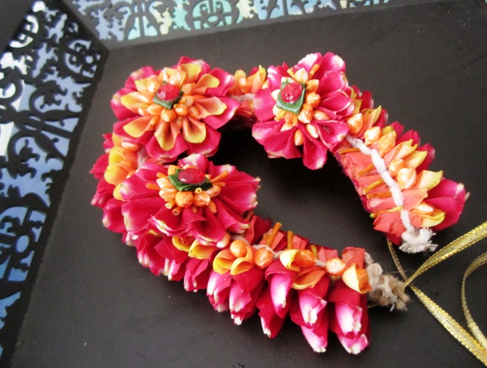 Flower Jewellery For Your Mehendi Check Out Floral Art