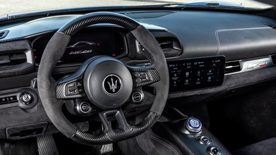 I due schermi digitali di Maserati MC20