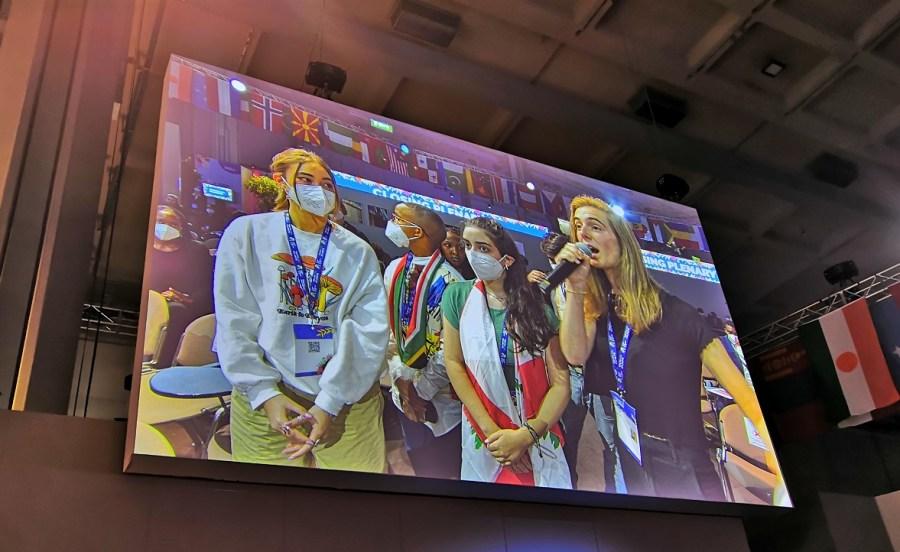 Youth4Climate, un momento della plenaria finale (foto: Antonio Piemontese)