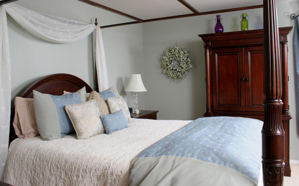 what are the different types of fitted bedroom furniture?