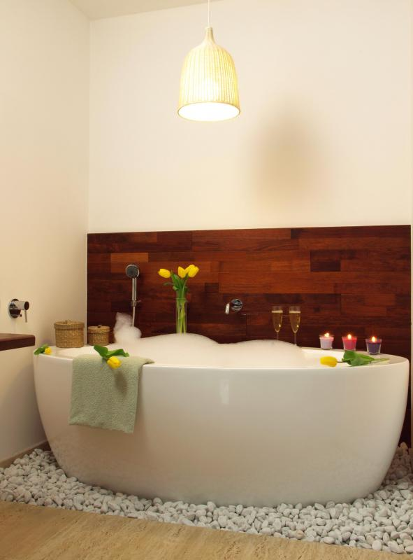 What Are The Pros And Cons Of A Deep Bathtub With Pictures