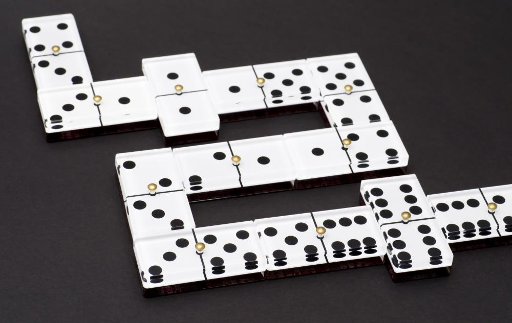 What Games Are Played With Dominoes With Pictures