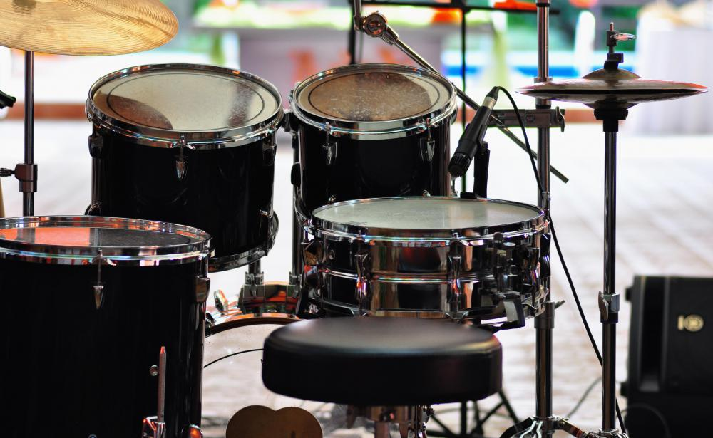 How Do I Choose the Best Cheap Drum Sets   with pictures  Cheap drum sets can sound extremely good depending on how they are tuned  and which heads are placed on them