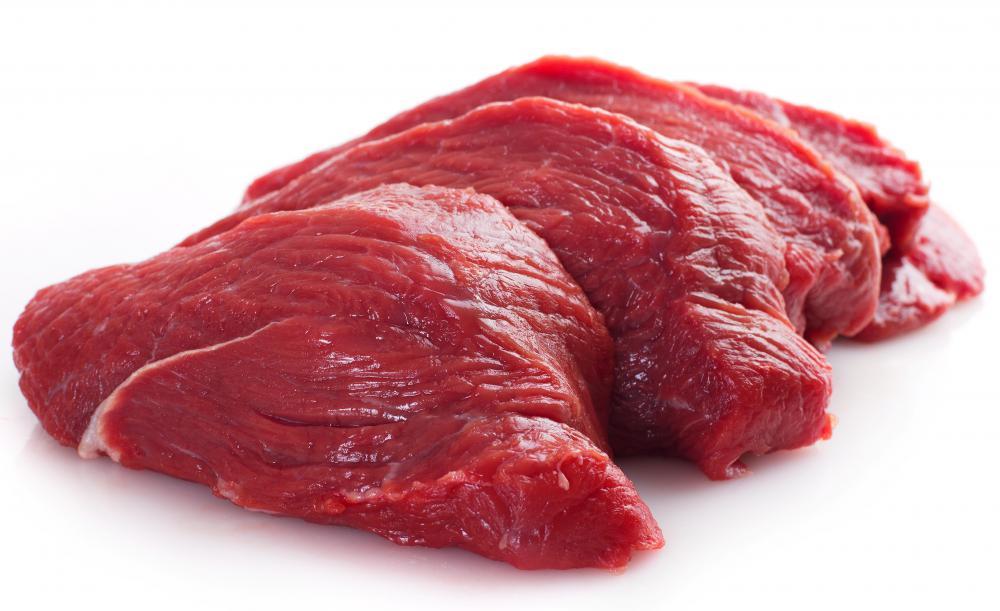 Govedina sodi med rdeče meso, zato ker je rdeče barve. Enostavno, mar ne?!