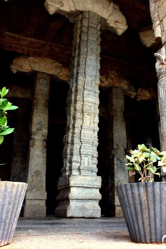 Hanging Pillar Lepakshi