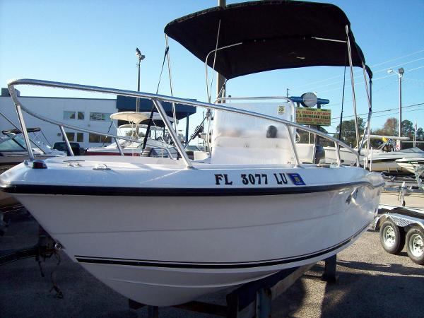 17 Ft Angler Center Console