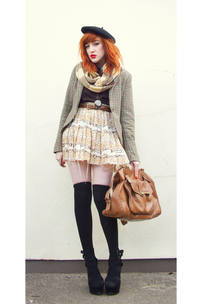 Camel-check-brown-scoodie-scarf-black-black-black-wedges-wedges_400