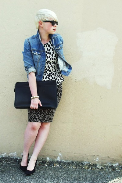 Blue-denim-gap-jacket-black-leopard-print-forever21-skirt_400