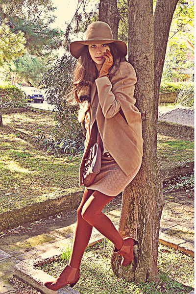Burnt-orange-h-m-boots-nude-dorothy-perkins-dress-camel-h-m-hat_400