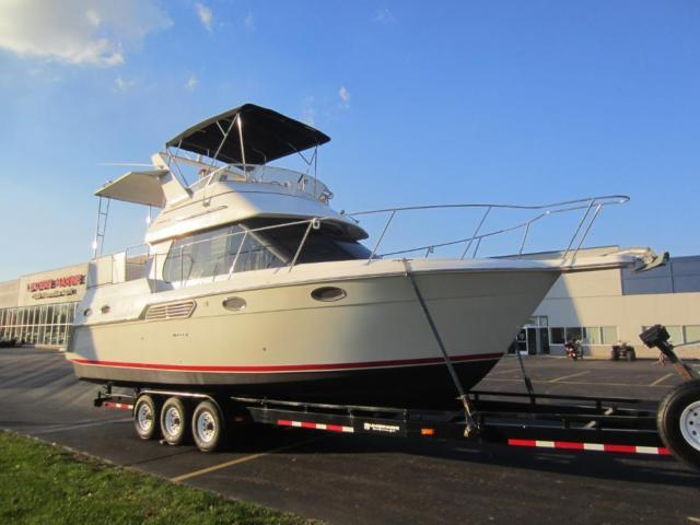 1999 Carver 326 Aft Cabin Motor Yacht With Only 407 Engine
