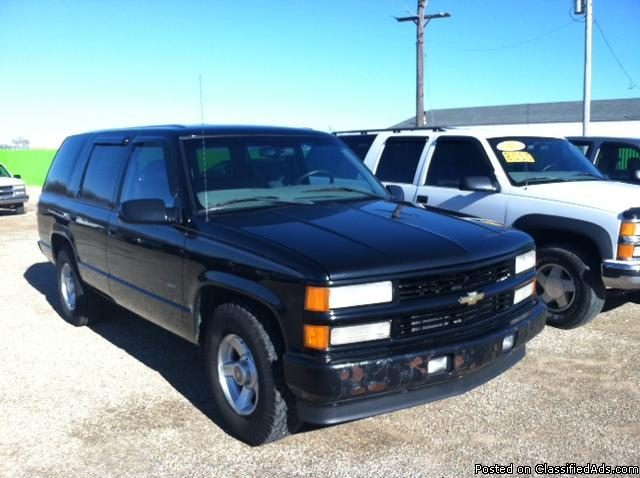 2000 Chevy Tahoe 2x4 For Sale In Battle Creek Michigan