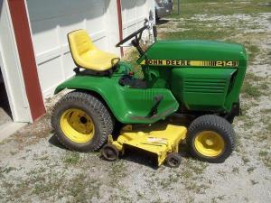 214 John Deere Mower plus  (Trenton,Mo) for Sale in