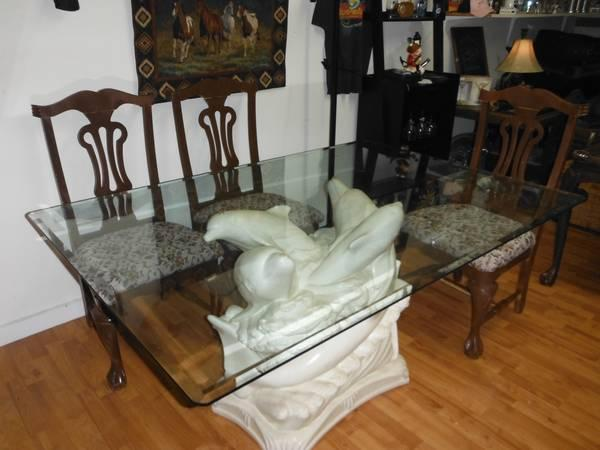 BEAUTIFUL Glass Top Dining Table For Sale In Fort Walton