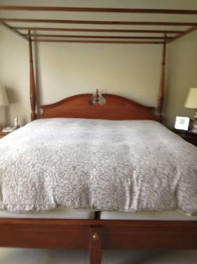 Cherry King Size Bedroom Set For Sale In Canton Ohio