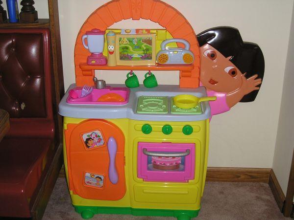 Dora Kids Kitchen Set Novocom Top