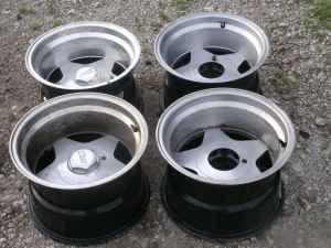 FORDDODGECHEVY EAGLE ALLOY STAR MAG WHEELS FOR A 5 LUG