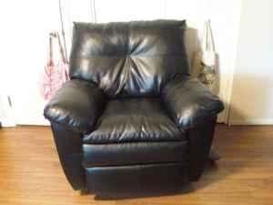 Reduced Black Recliner Amp Sofa Leather Evansville