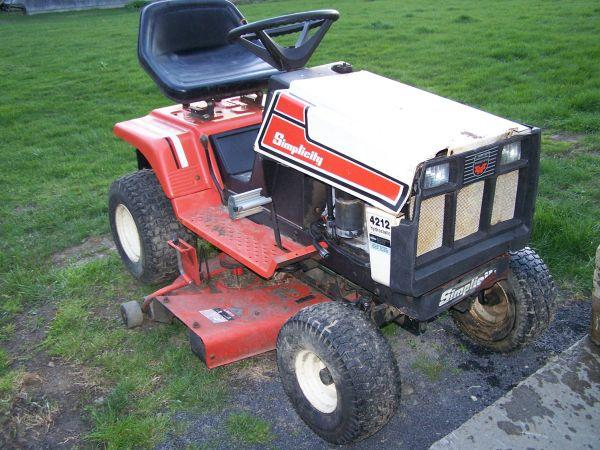 Simplicity Riding Mower Hydrostatic 38 Cut With