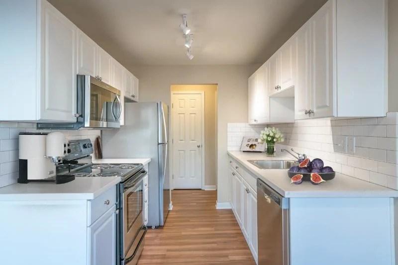 Monterey at Lake View Drive Apartments - Kirkland, WA ... on Montebello Apartments In Kirkland Wa id=12297