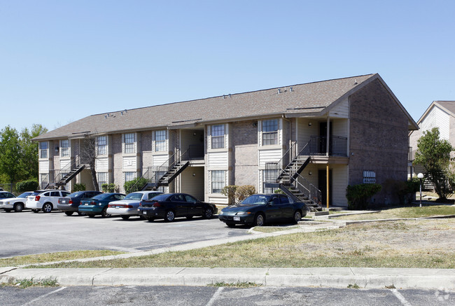 Towne East Village Apartments Converse Tx Apartments Com