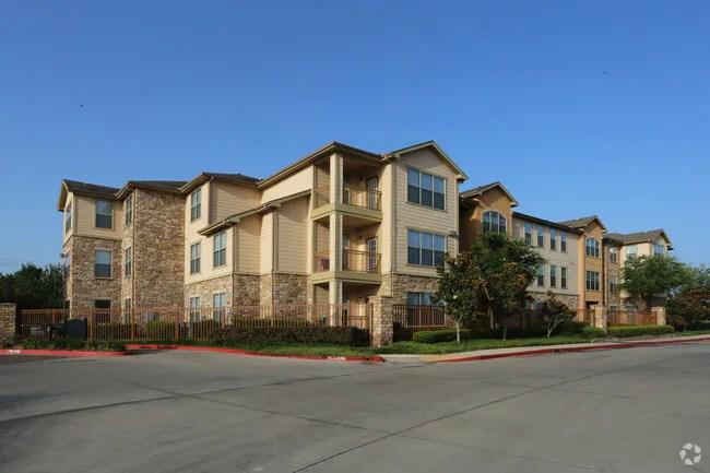 Park Avenue Boulder Creek Apartments