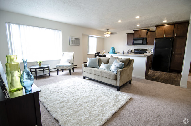 1 2 Bedroom House At Woodmere Apartments East Lansing